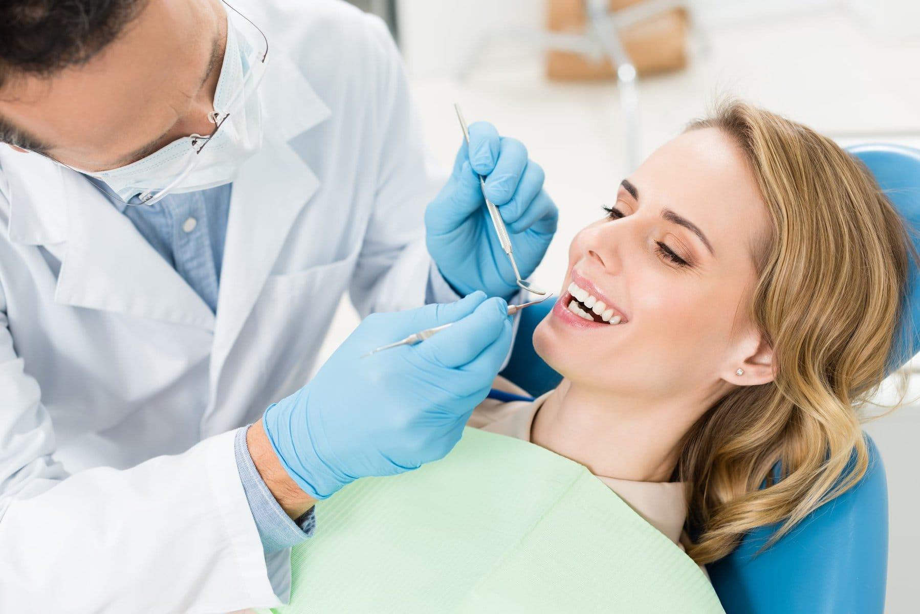 https://osemdental.com/wp-content/uploads/2021/01/Mostove-doctor-treats-patient-teeth-in-modern-dental-clini-F46KD88.jpg